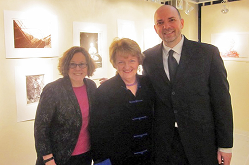 Christine Mullen Kreamer, Deputy Director and Chief Curator at the Smithsonian National Museum of African Art (far left), along with WPG member artist Rosemary Cooley (center); and WPG Director Damon Arhos (far right).